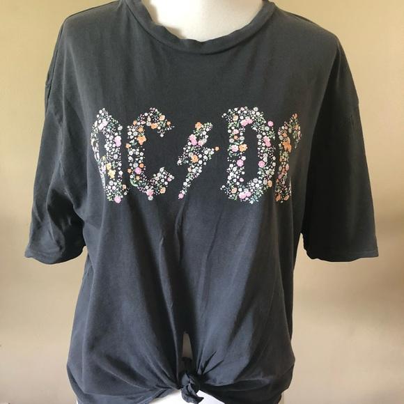 f24fe5a1 Topshop AC/DC Floral T Shirt. M_5b63717f1b16dbad9d437fa6